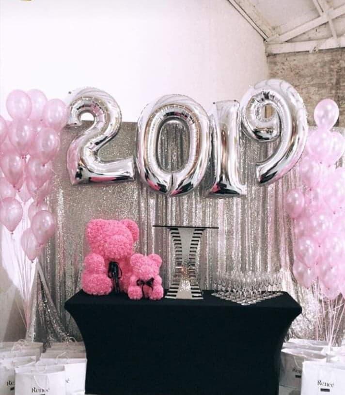 Balony sylwestrowe na rok 2009 a już za rok 2010 Idealne są tu balony cyfry z helem