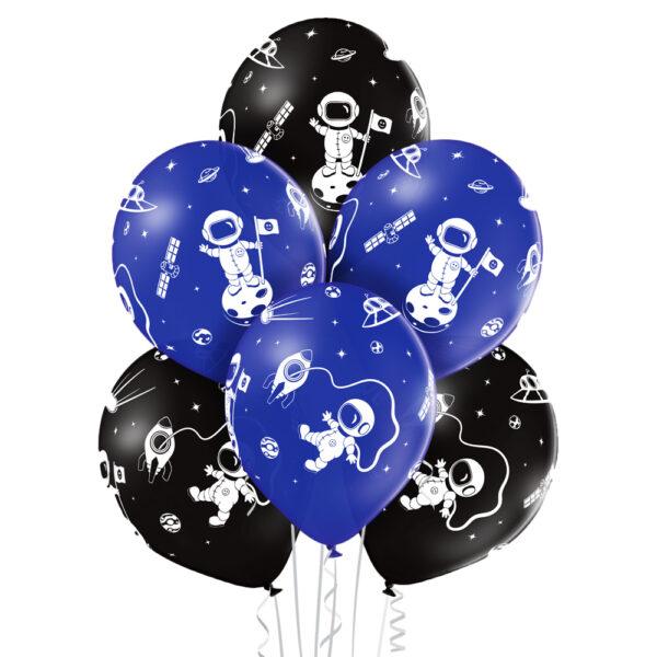Balony z helem - kosmonauta, kosmos i stacja kosmiczna