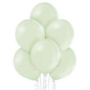 Balony w jasno zielonym delikatnym kolorze