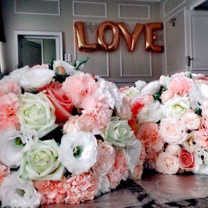 love-z-balonow-w-ksztalcie-liter-z-helem-warszawa
